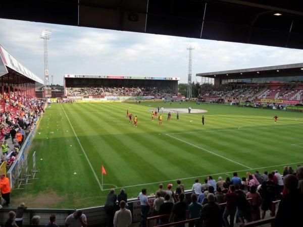 Kv kortrijk stadium 2017 2018 guldensporenstadion for Courtrai belgium